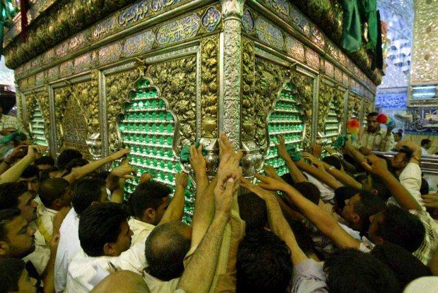 http://www.ashoora.ir/images/phocagallery/karbala/zarihe-hazrate-abbas/thumbs/phoca_thumb_l_4820327FFB86-104.jpg